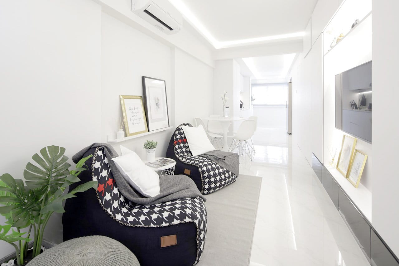 Using Decorations to Add Dimensions to Your Living Room - Comfort Furniture