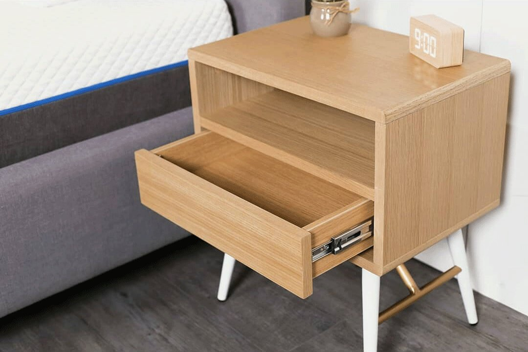 How to Choose Bedside Table to Maximise Small Bedroom Space - Comfort Furniture