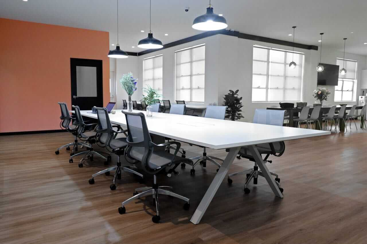 Long Stretched Table for Meetings - Comfort Furniture