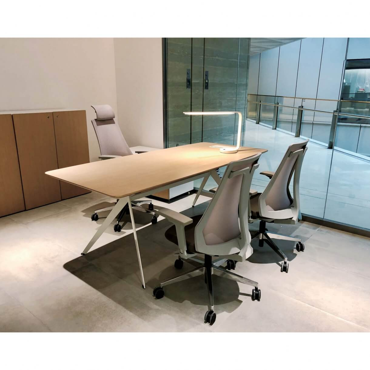 Choose Office Chairs with Wipeable Surface for Optimum Hygiene - Comfort Furniture
