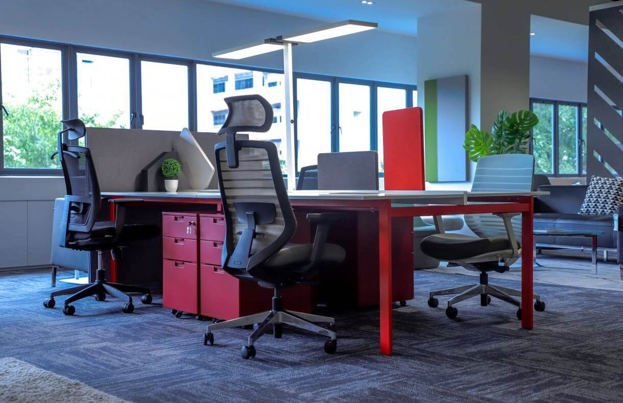 Setup Your Office Post-Circuit Breaker with Easy to Maintain Workstations - Comfort Furniture
