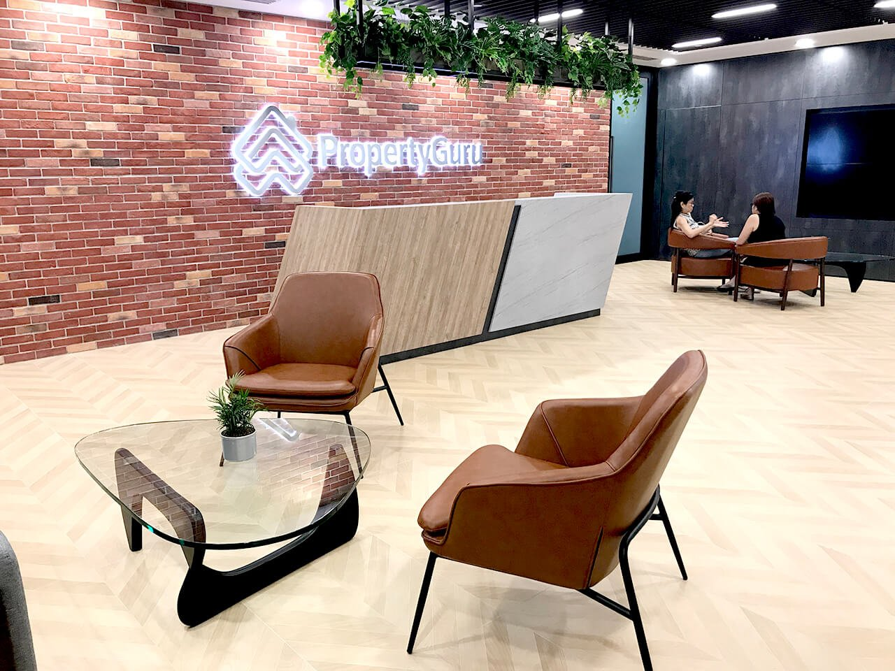 Tips on Arranging Sofa Seatings in the Office Reception - Comfort Furniture