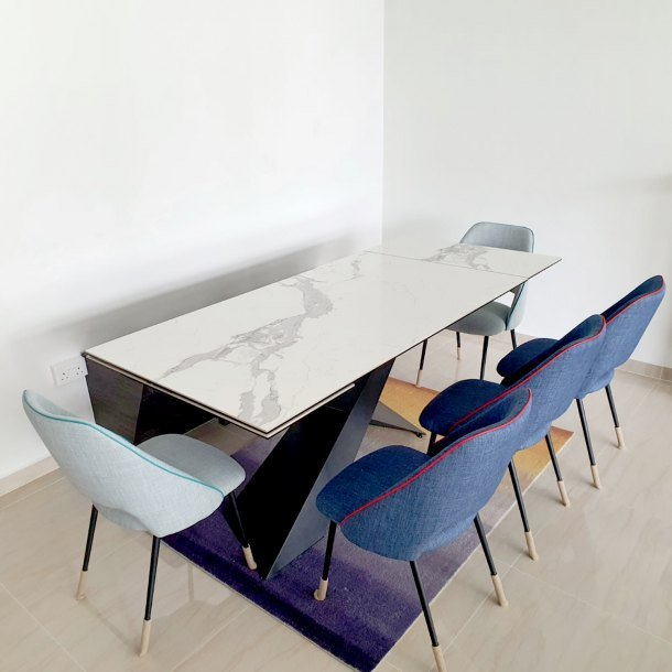 Elona Extendable Dining Table with Advir Dining Chair - Comfort Furniture