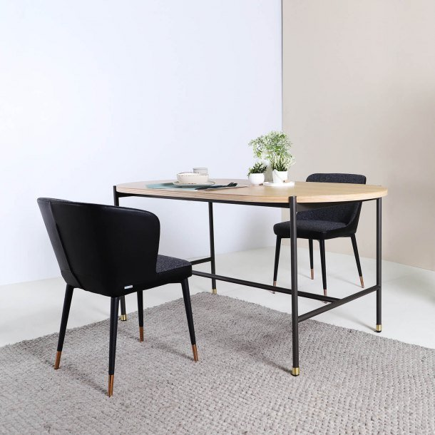 Benefits of Regular Dining Table in Your Dining Room Setting - Comfort Furniture
