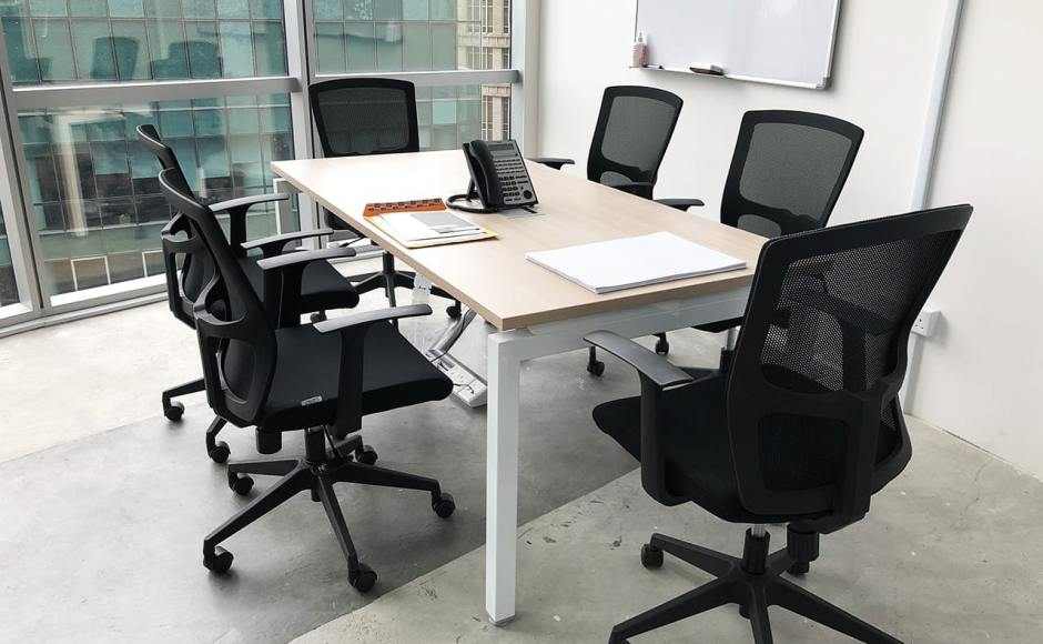 Dimbulah HQ Office - Oxley Tower | Product Seen: [Kasa Midback Office Chair & Eloyd Midback Office Chair]