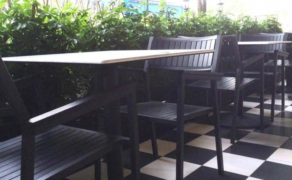 Muthu's Curry - 138 Race Course Road | Products seen: [Warner Outdoor Armchair & Customise Island TableTop & Cosson Leg]<br />