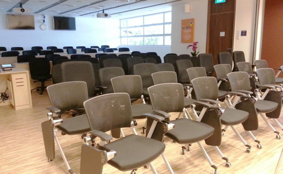 Nanyang Technological University | Product Seen: [Dynamo Tablet Armchair w/ Castors]
