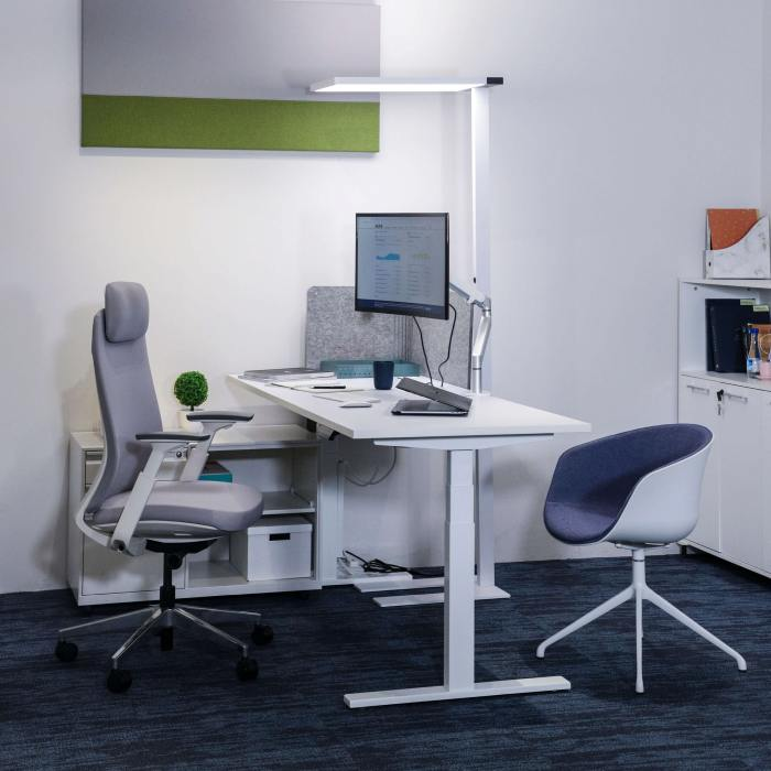 Tito 1-Sided Height Adjustable Table Leg