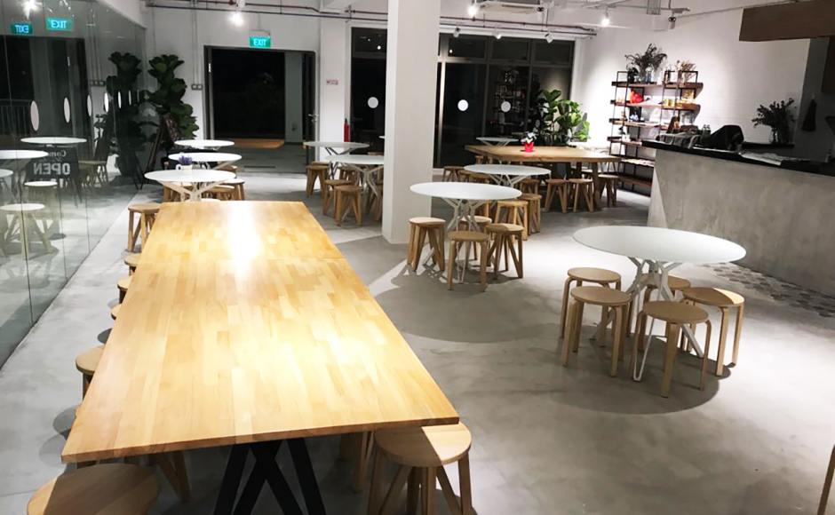 Leng Kee Community Club - Lengkok Bahru | Product Seen: [Haley Dining Table – Dia800, Haley Dining Table – Dia1000 & Kiki Stool]