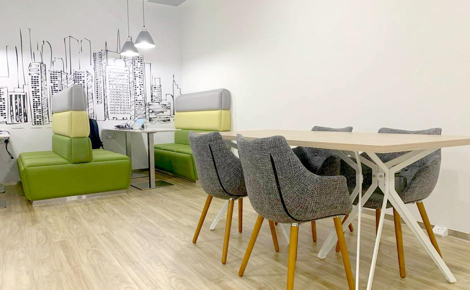 Regus Singapore | Product Seen: [Oak x Haley Dining Table – W1600 & Ayumi Arm chair]