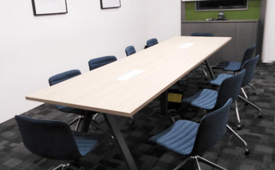Regus Singapore | Product Seen: [Luster Castors - Aluminium & Apex Conference Table]