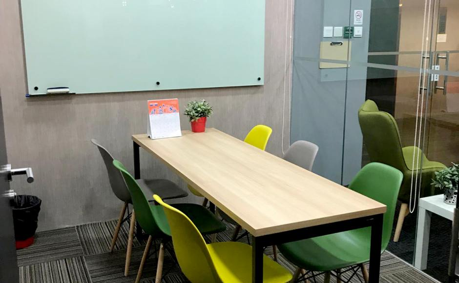 Verve Offices Pte Ltd - Cecil | Product Seen: [Argo – PP + Tower Chair & Laminate tabletop + Ricky Table Base – Customisable]