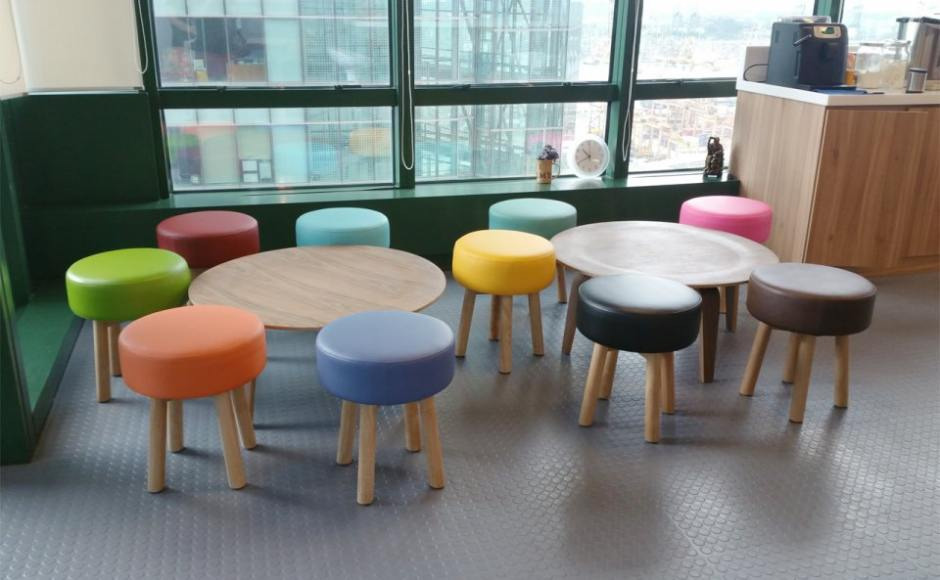 Dragages Singapore – Keppel Rd | Product Seen: [Tapioca Stool &amp; Eames Plytable (replica)]<br />