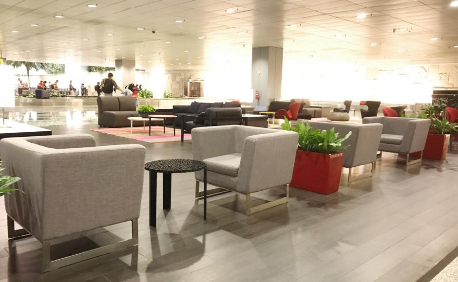 Changi Airport Terminal 3 - Arrival Hall | Products Seen: [Ding Modular Sofa & Swan – 2 (replica) Lounger]