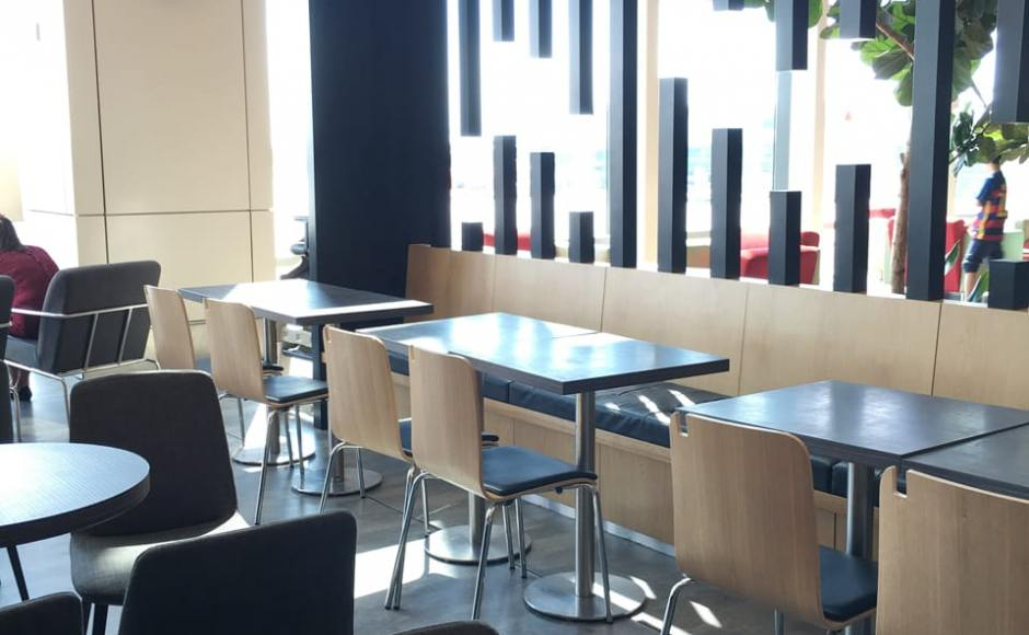 The Coffee Bean & Tea Leaf - Terminal 1, Changi Airport | Product Seen: [Swiss Chair & Customised Table top w/ Traxtor Round Table Base