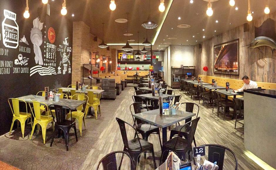 Manhattan Fish Market - Jurong Pointr | Product Seen: [Dojo Sidechair - Steel Seat, Lick Chair – PU Seat & Customised Tabletop + Filo Table Base]