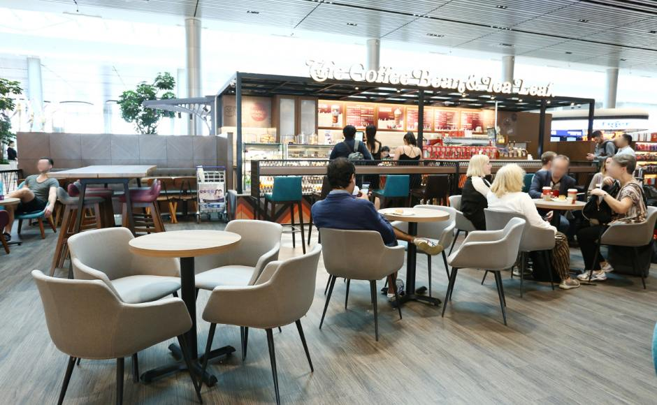 The Coffee Bean & Tea Leaf - Changi Airport Terminal 4 | Product Seen: [ Jonah Armchair, Jazz Barstool – SH750, Gladys Barchair – V1, Spark Chair, Sacco Lounger, Anderson Bar Table – Customisable & Customised Laminate Tabletop + FLAT® KX22 – H720 (For Dining Table)]