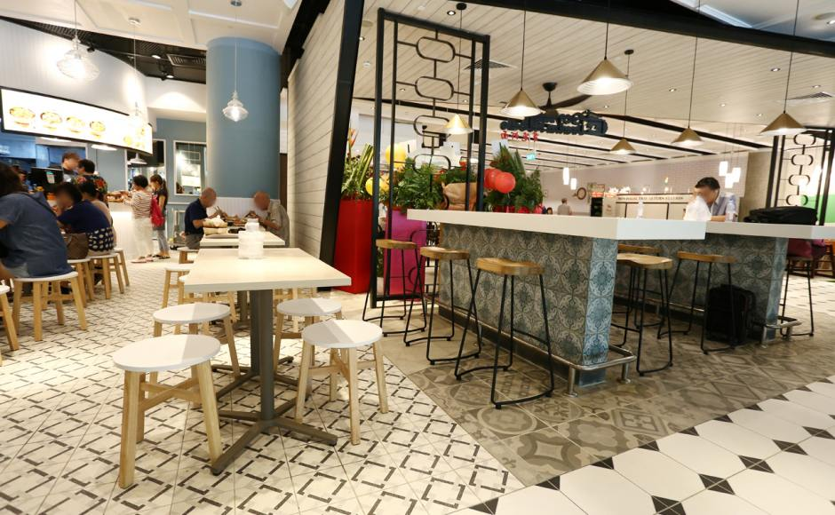 Food Emporium - Changi Airport Terminal 4 | Product Seen: [Tang Stool – Round, Saturn Barstool & Customised Laminate Tabletop + Grit Non-foldable Table Base]