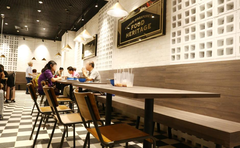 Food Emporium - Changi Airport Terminal 4 | Product Seen: [Mantis Sidechair & Customised Laminate Tabletop + Mounty Table Base – Steel (for floor mounting)]