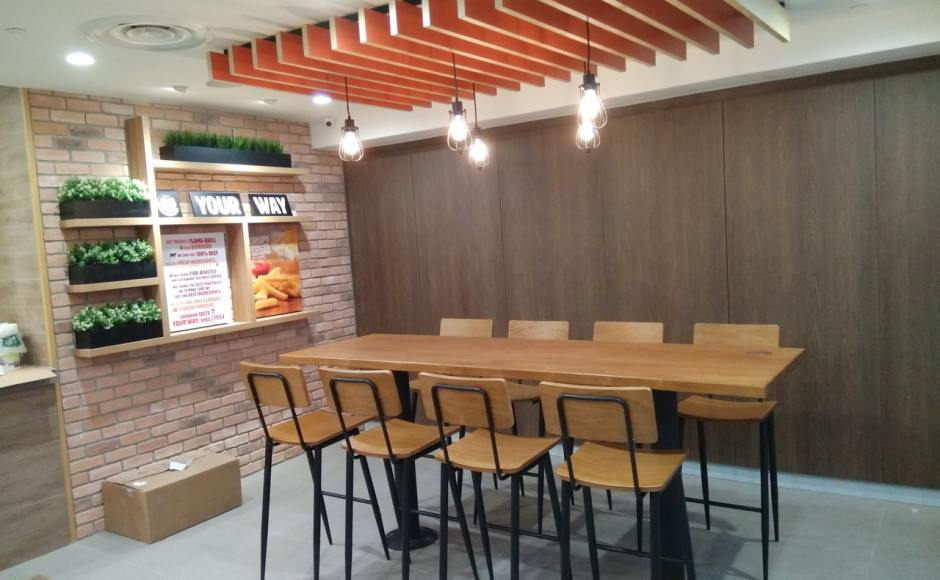 Burger King - Loyang Point | Product Seen: [Customised High Chair & Customised Laminate Tabletop + Mounty High Table Base – Steel (for floor mounting)]