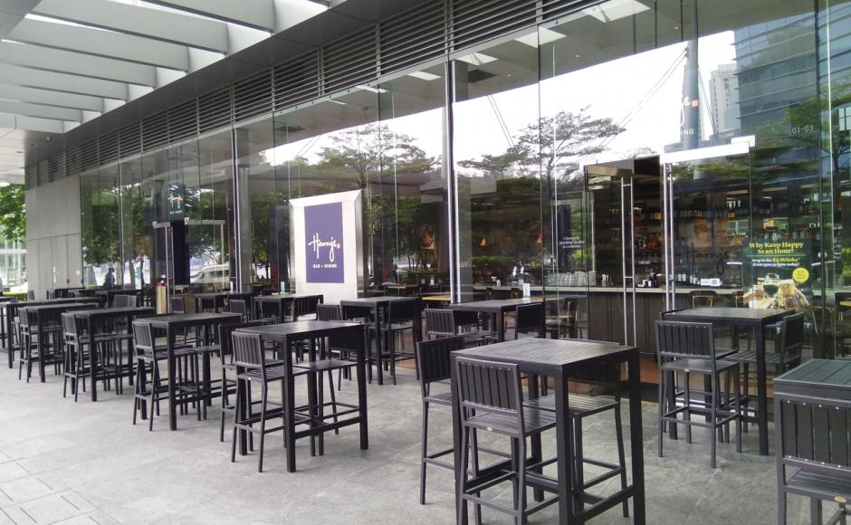Harry's Bar - Marina Bay Link Mall | Product Seen: [Hiro Outdoor Bar Chair & Hiro Outdoor Tabletop – Customisable]<br />