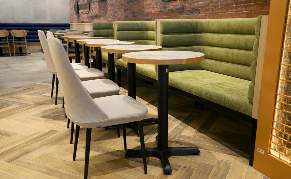 Cedele - Jewel Changi Airport | Product Seen: [Customised Laminate Tabletop + FLAT® KX22 – H720 (For Dining Table) & Santana Side Chair]
