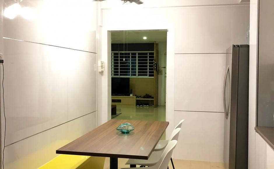 Apartment – Barry | Product Seen: [Customised Tabletop + Glen Table Base & Adik – Steel Chair]