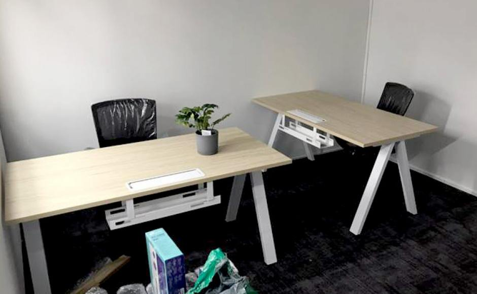 OC Digital Network - Tannery Lane | Products Seen: [Apex Workstation – Single sided & Kasa Midback Office Chair]