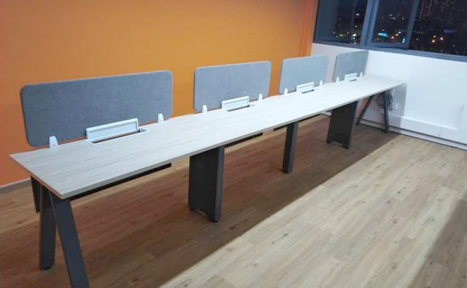 Office - CT Hub | Products Seen: [Apex Workstation – Single sided]