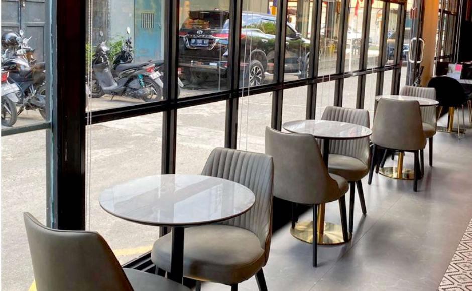 Cushman Wakefield - Church Street | Product Seen: [Omori Side chair & Ceramic + Gala Dining Table – Dia600]