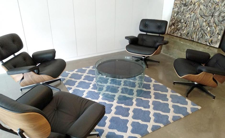 Product Seen: [Eames Lounge]