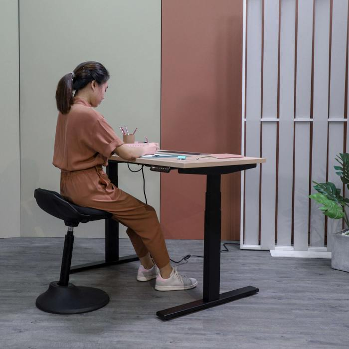 Tito 1-Sided Height Adjustable Table - W1800