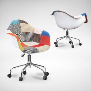 Gum – Patch + Castors Arm chair