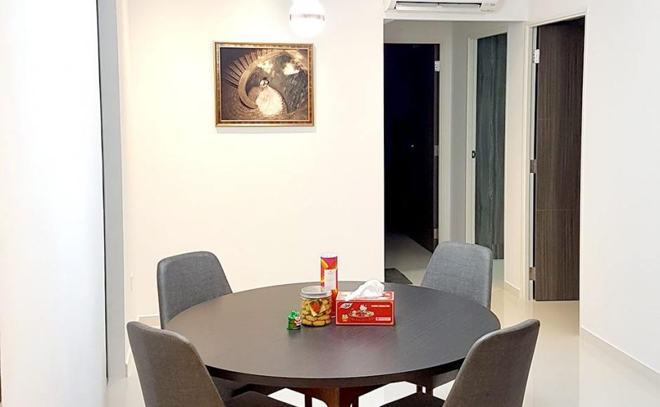 Apartment - Bukit Batok | Product Seen: [Beatrice Sidechair & Customised Laminated tabletop + Shiro Base]