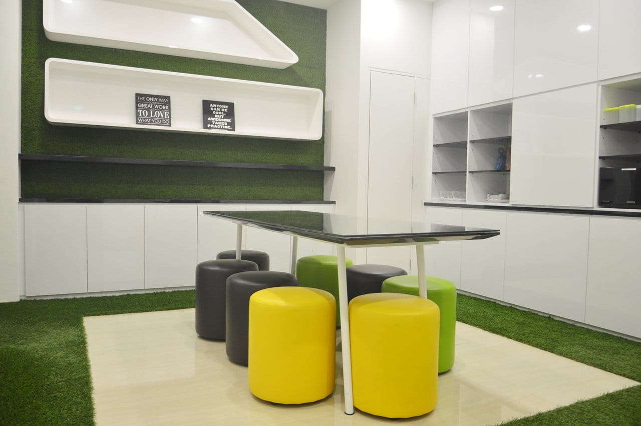 Fullerton Healthcare - Finexis Building | Products seen: [Pouf Round]<br />
