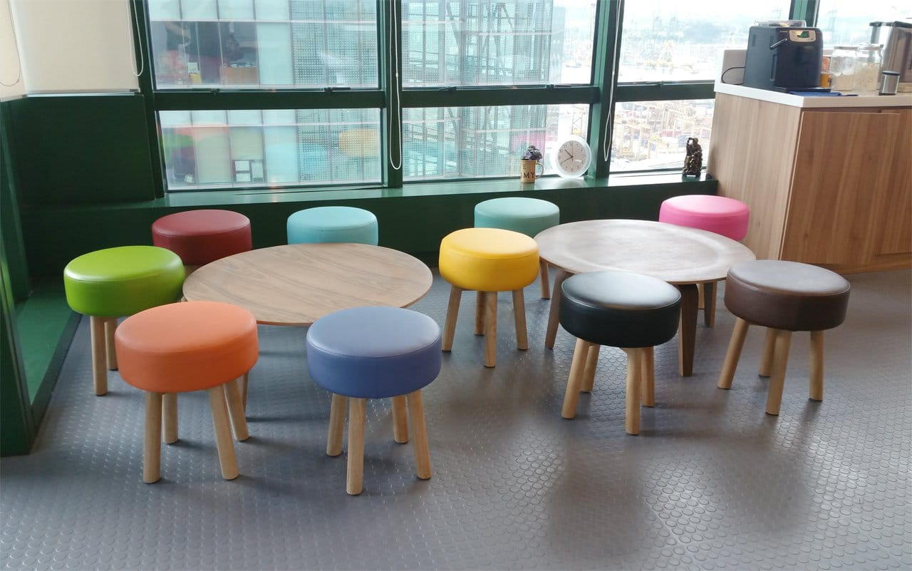 Dragages Singapore – Keppel Rd | Product Seen: [Tapioca Stool & Eames Plytable (replica)]