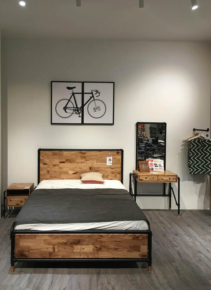 [Pipe Bed Frame, Pipe Dresser with Mirror, Pipe Bedside Table, Pipe Hook & Poster – Bicycle]<br />