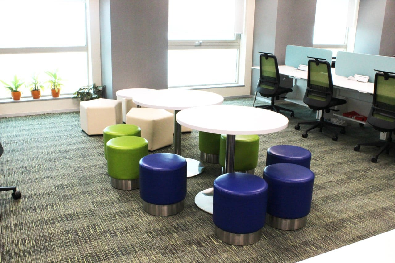 Deloitte - OUE Downtown | Products Seen: [Halved Stool, Seed Modular Stool & Traxtor Round Table Base with Laminate Table Top Round]<br />