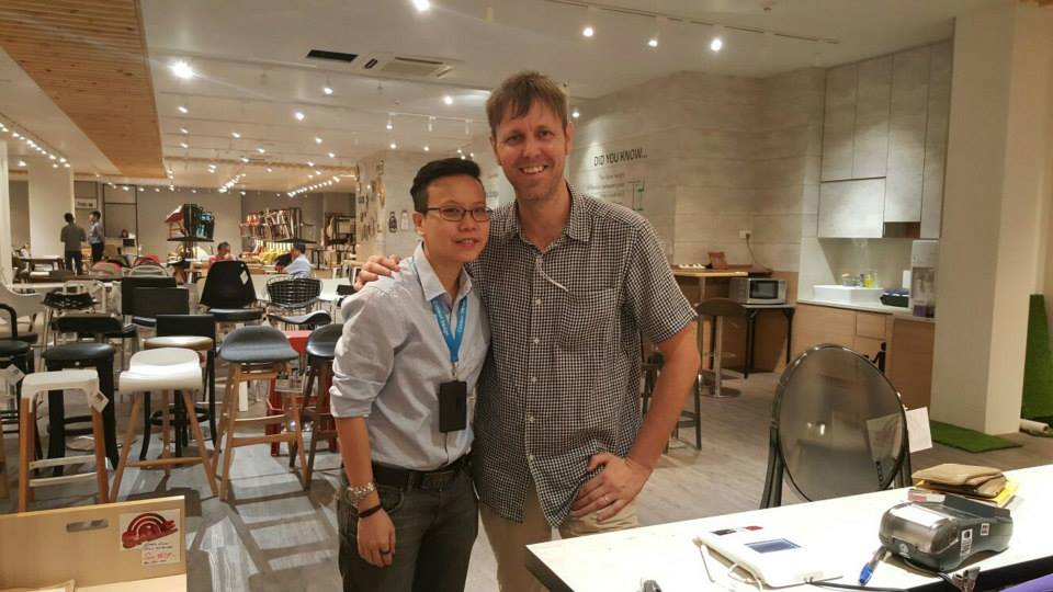 The bubbly Neil Humphreys dropped by for a visit in our showroom.