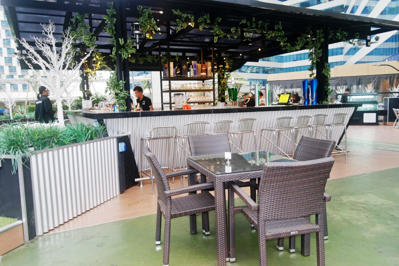 Eclipse Bar & Restaurant, Myanmar Plaza - Yangon, Myanmar | Product Seen: [Dayboro Outdoor Dining Table – Square 800 & Maldives Outdoor Armchair]