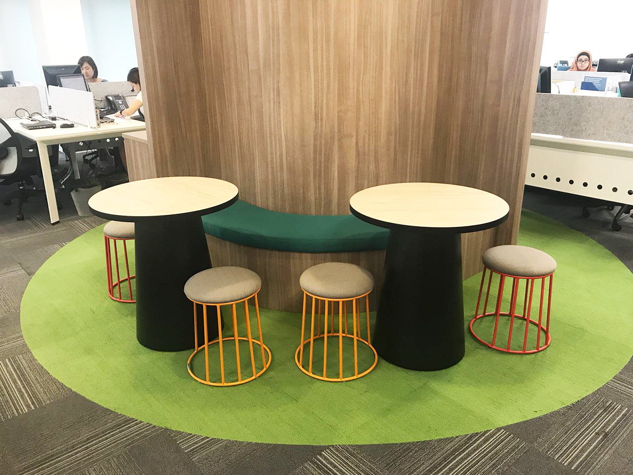 Aetna Global Benefits (UK) Limited | Product Seen: [Campus Stool & Spheres Dining Table - Customisable]