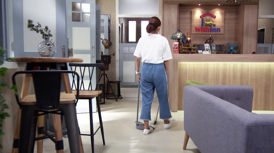 Jalan Jalan 帶你去走走 – Channel 8, Mediacorp | Product Seen: [Peru Barchair, Leo Barchair – Mid Back & Emu Bar Table - Round 600]