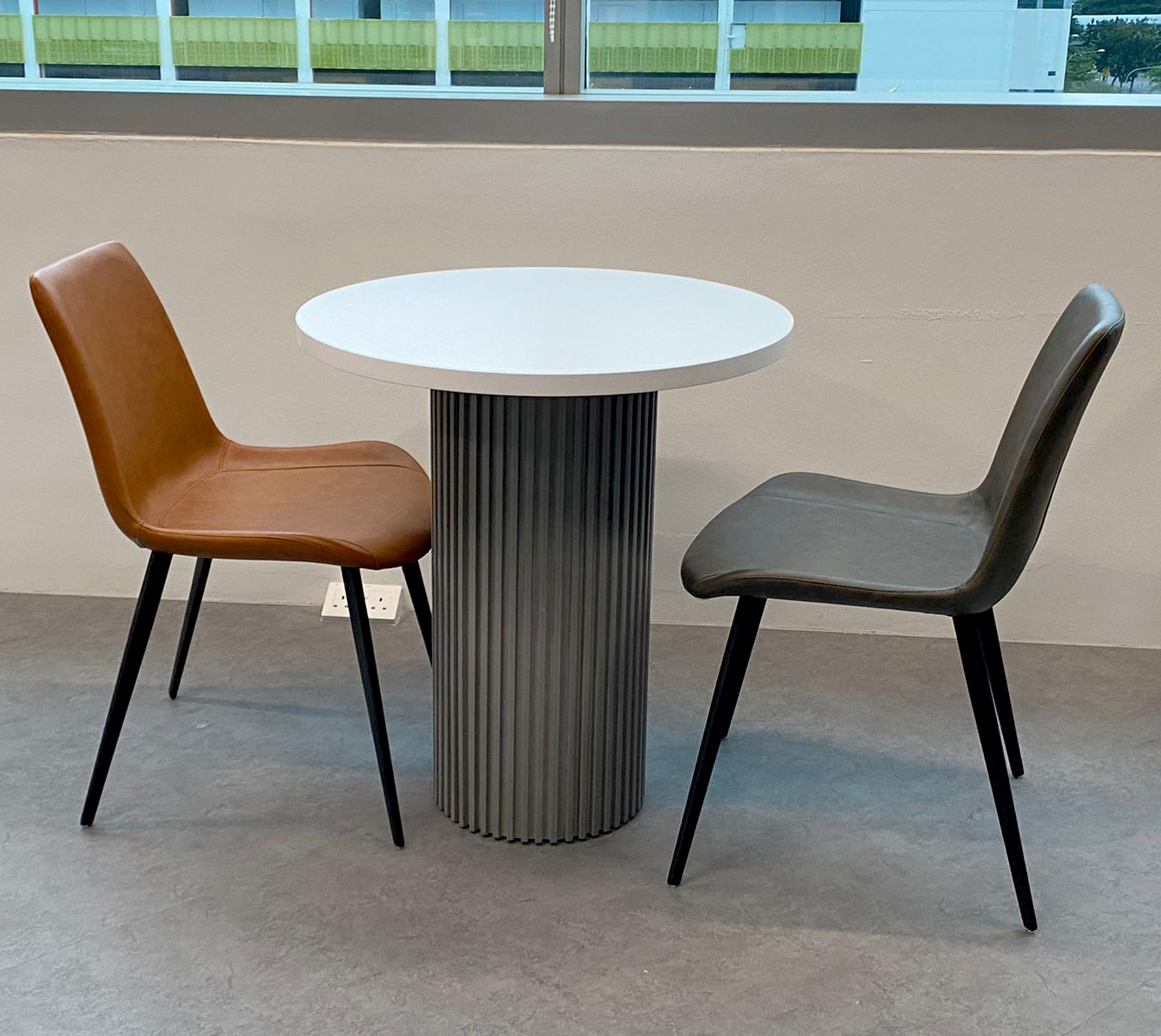 Mettler-Toledo | Product Seen: [Eunice Side chair & Customised x Ohio Dining Table]