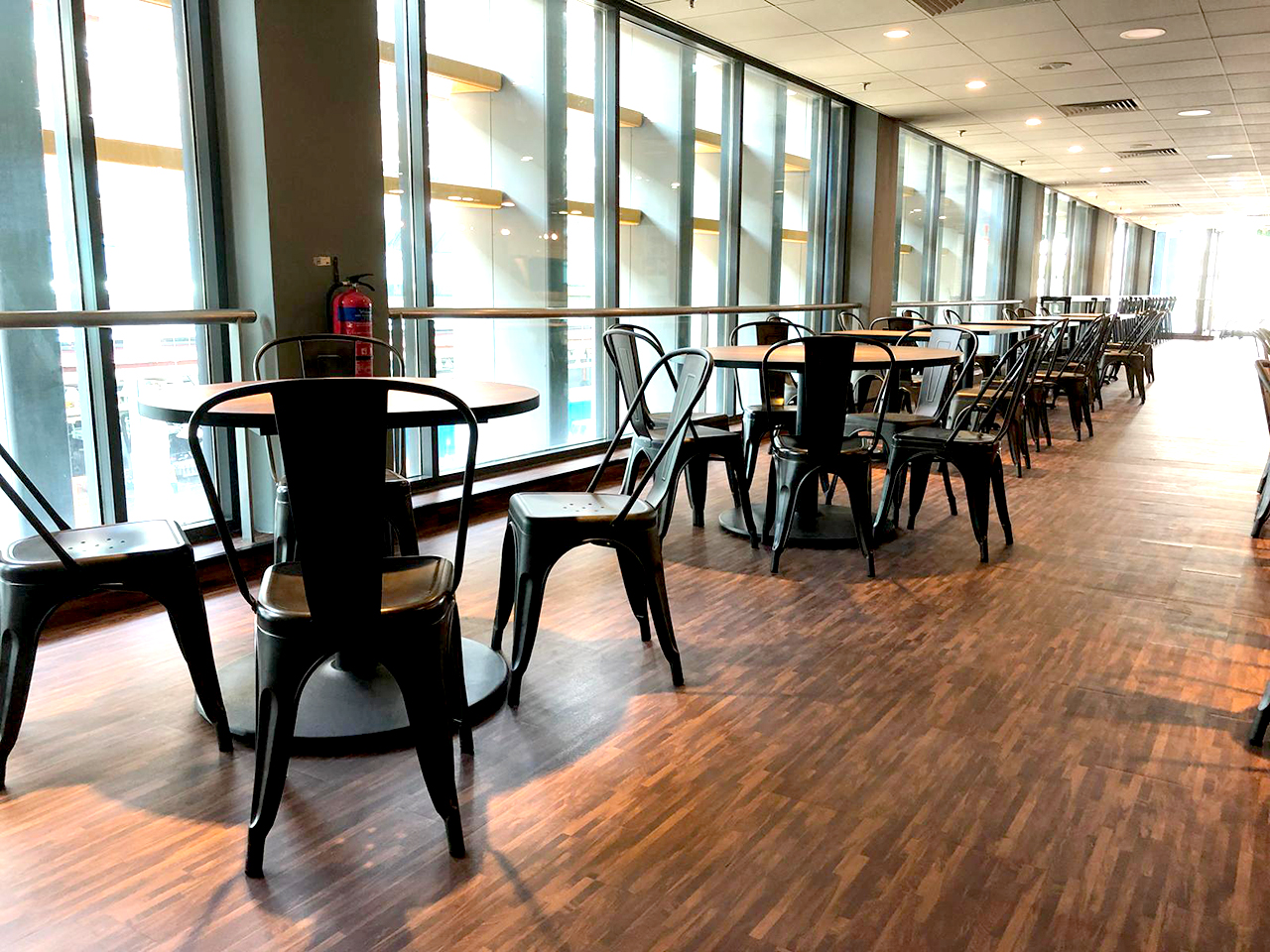 SATS Maintenance Centre - Changi North | Product Seen: Dojo Sidechair - Steel & Customisable Laminated Tabletop + Cosson Table Base]