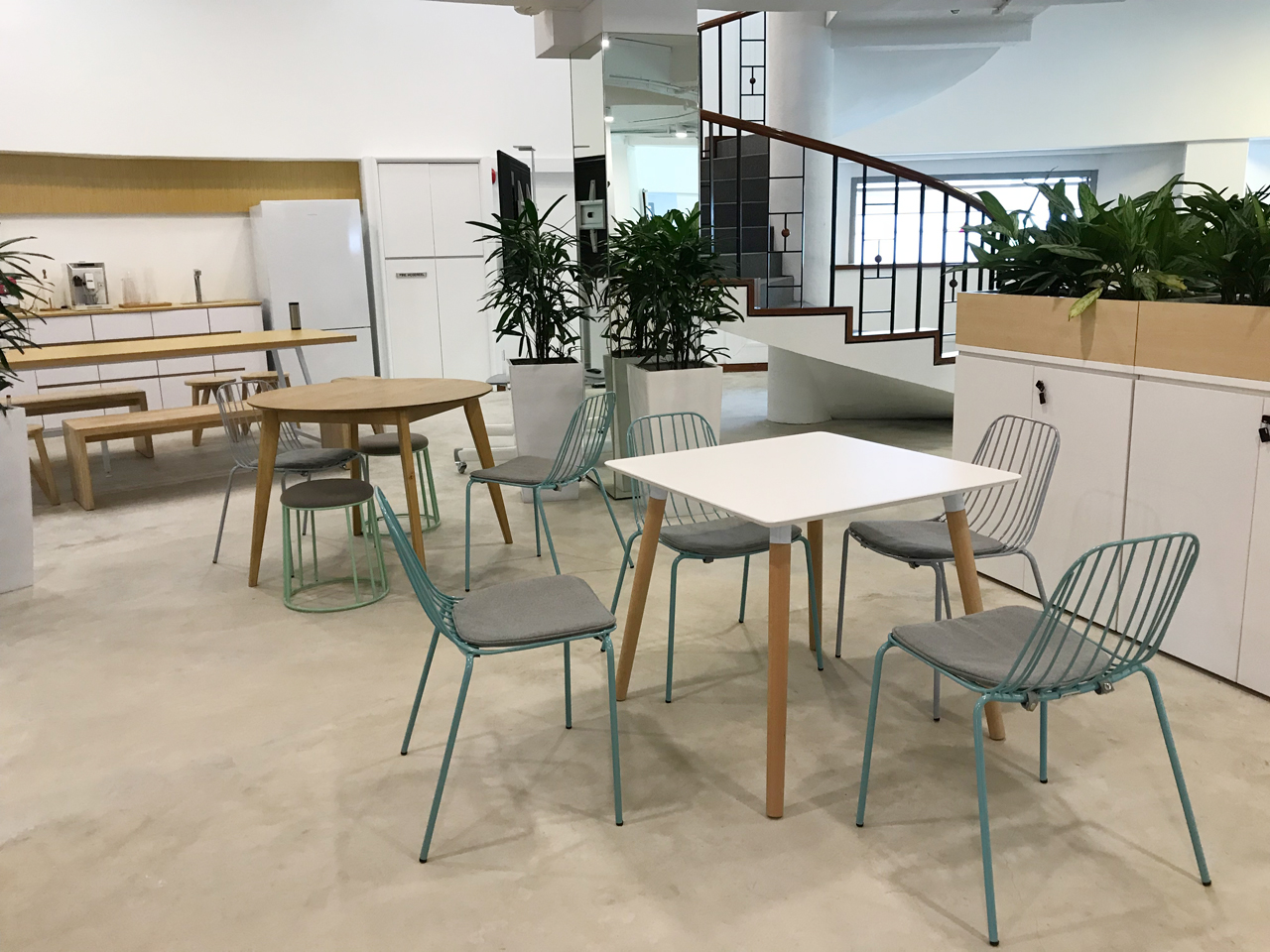 RICE Communications - Haw Par Glass Tower | Product Seen: [Wire 7 Sidechair, Campus Stool, Attract Dining Table – Square 800 & Oakland Round Dining Table – Dia1000]
