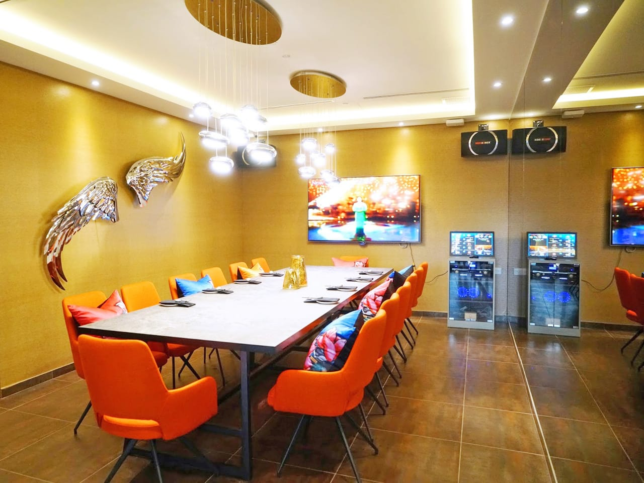 Blue Lotus Chinese Grill House - Tanjong Pagar | Product Seen: [Ford Armchair]