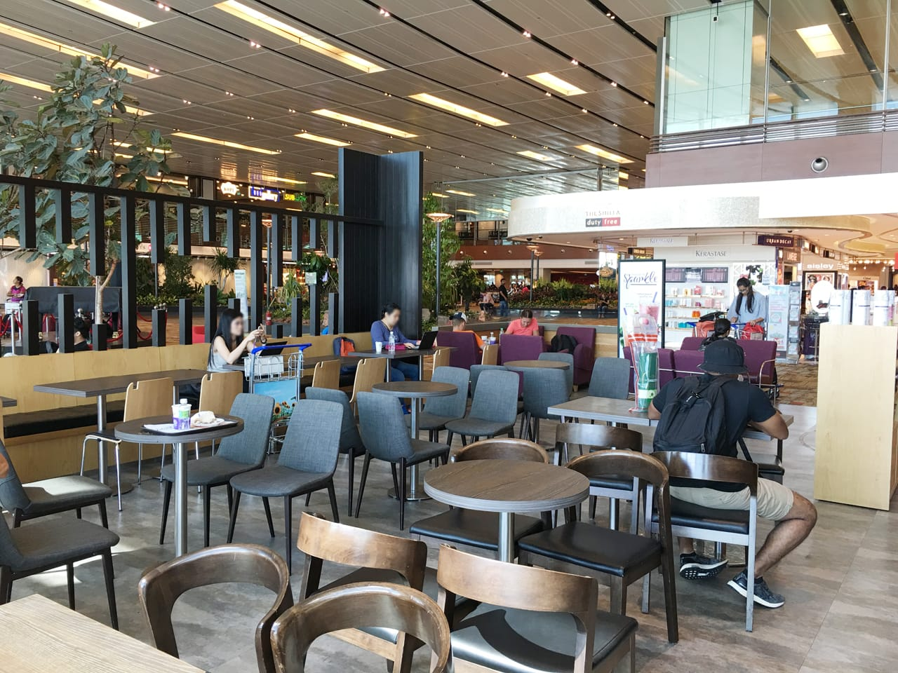 The Coffee Bean & Tea Leaf - Terminal 1, Changi Airport | Product Seen: [JeJu Chair, Fondue Sidechair & Swiss Chair]<br />