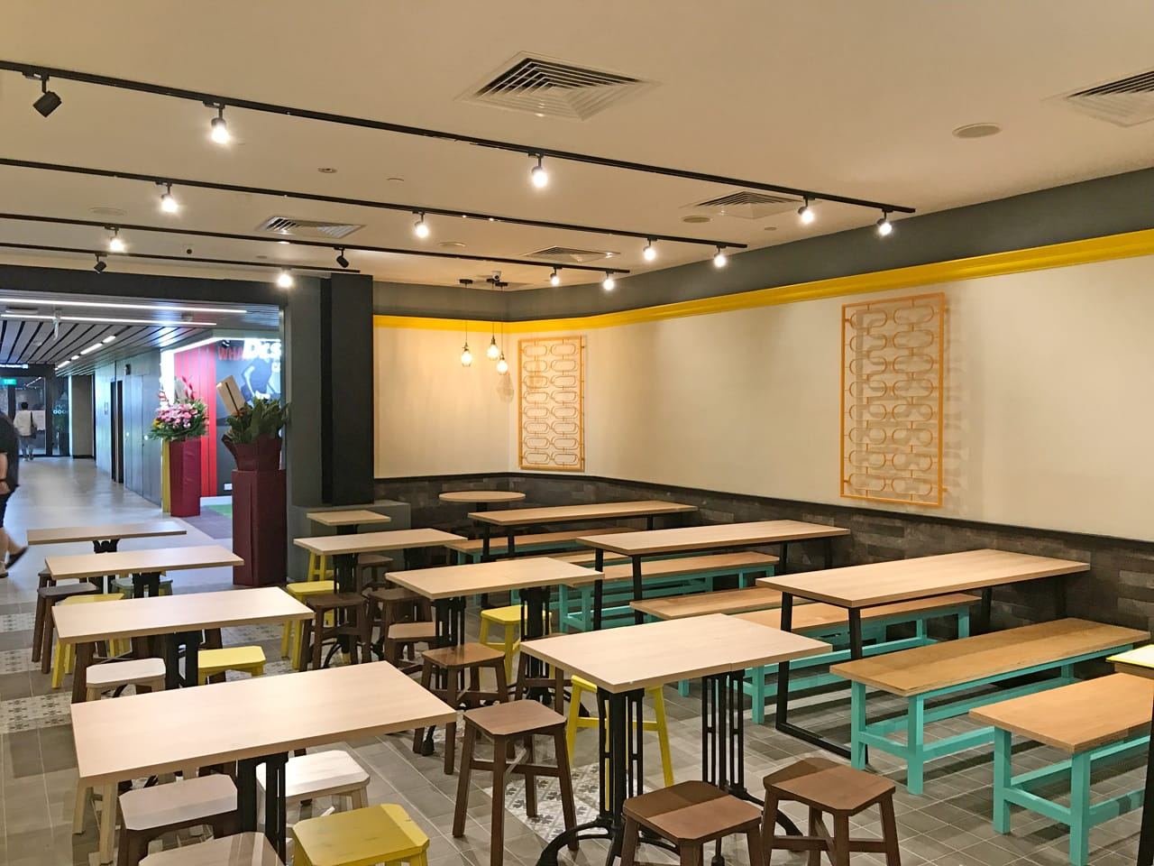 Curry Times by Old Chang Kee - Singpost Centre | Products Seen: [Tang Stool – Square & Antique Table Base with Customised Tabletop]