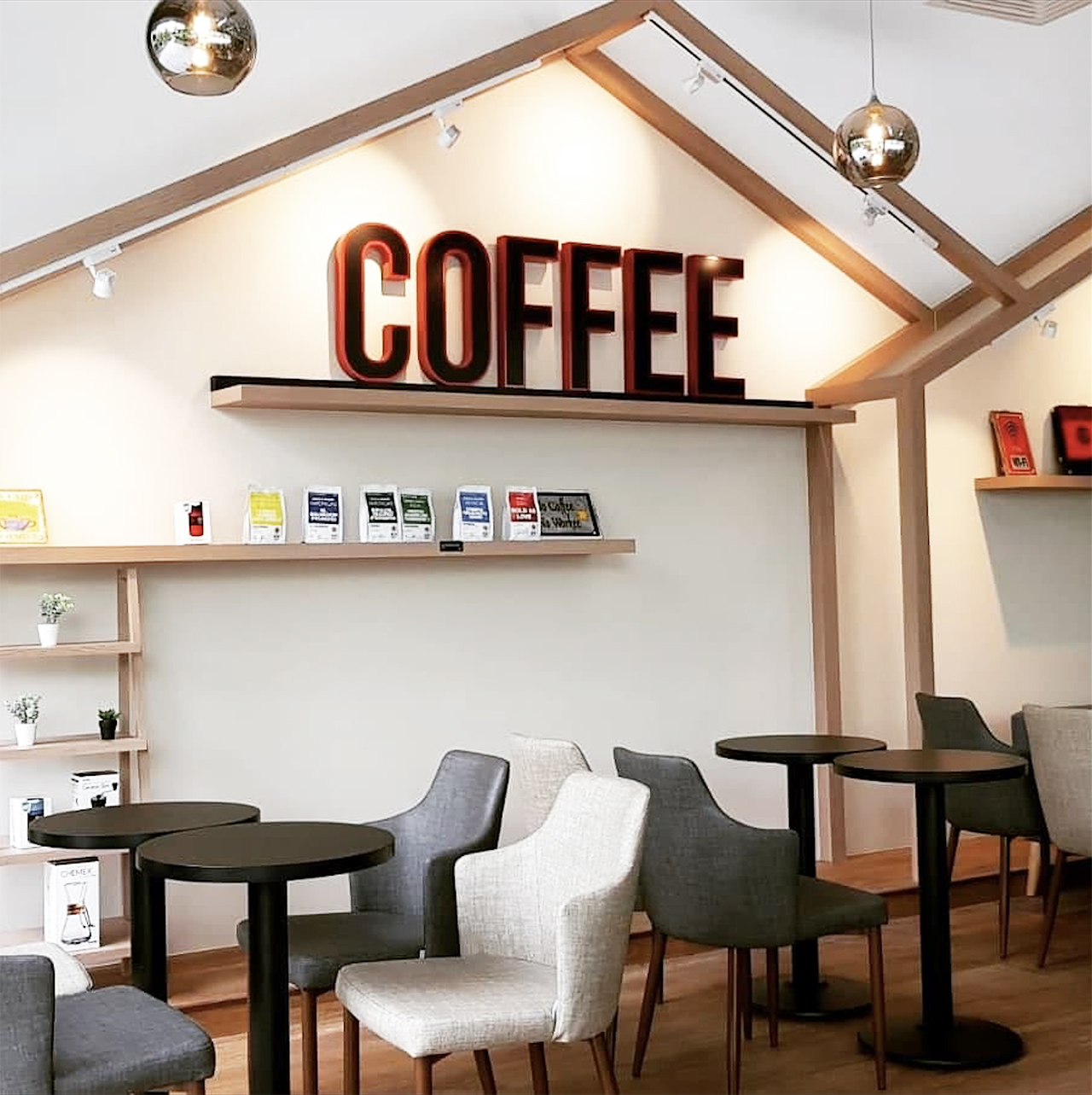 Jewel Cafe - Savourworld | Product Seen: [Corine Armchair & Customised Laminated Tabletop + Cosson Table Base]