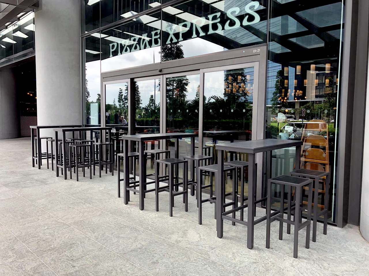 Pizza Express - Marina One East Tower| Product Seen: [Hiro Outdoor Bartable – Rectangle & Dereck Barstool]